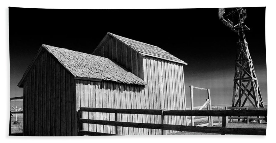 Art Bath Sheet featuring the photograph Plains Frontier Farm And Windmill by Randall Nyhof