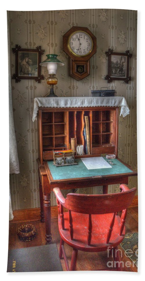 Point Loma Hand Towel featuring the photograph Point Loma Lighthouse Writing Desk by Bob Christopher