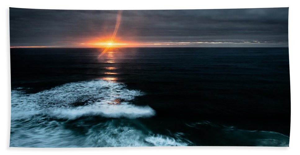 Sunset Bath Sheet featuring the photograph Projection by Edgar Laureano