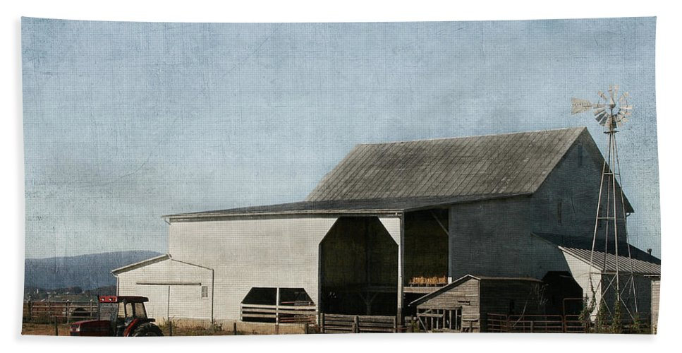 Farm Hand Towel featuring the photograph Pumpkin Farm by Kim Hojnacki
