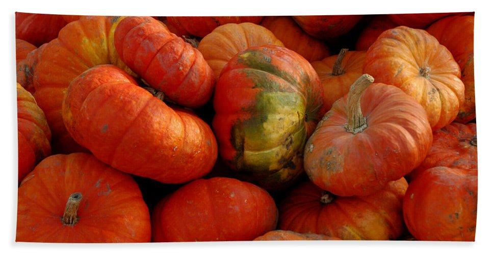 Usa Bath Sheet featuring the photograph Pumpkin Pie by LeeAnn McLaneGoetz McLaneGoetzStudioLLCcom