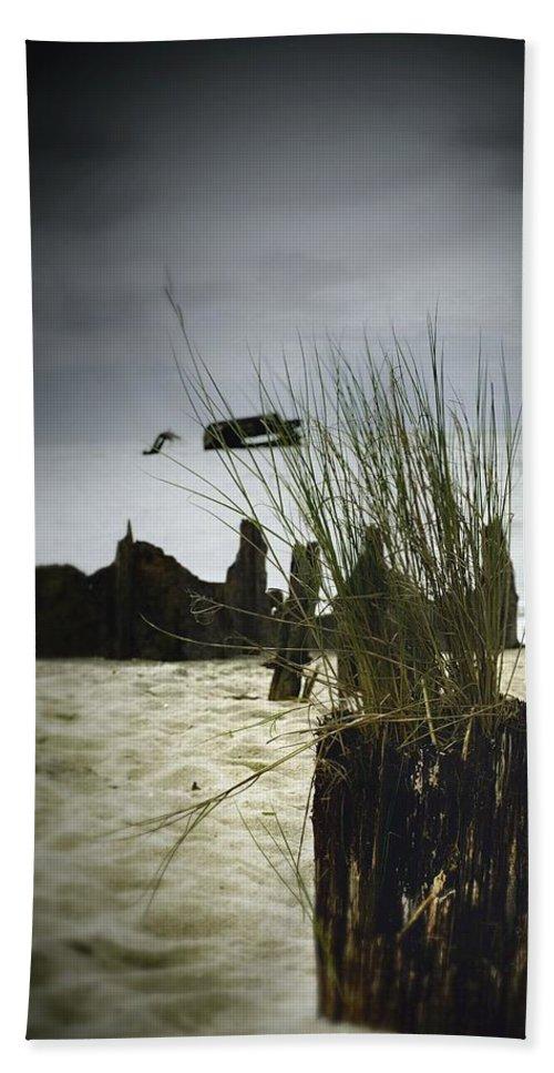 Sea Bath Sheet featuring the photograph Pylon by Scott Wyatt
