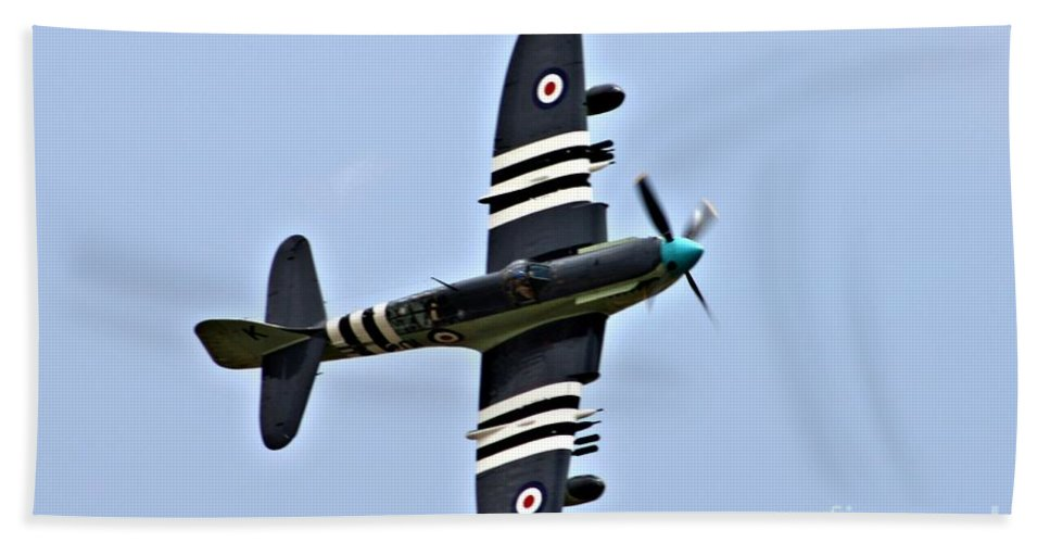 Faircy Firefly Bath Sheet featuring the photograph Raf Faircy Firefly by Tommy Anderson