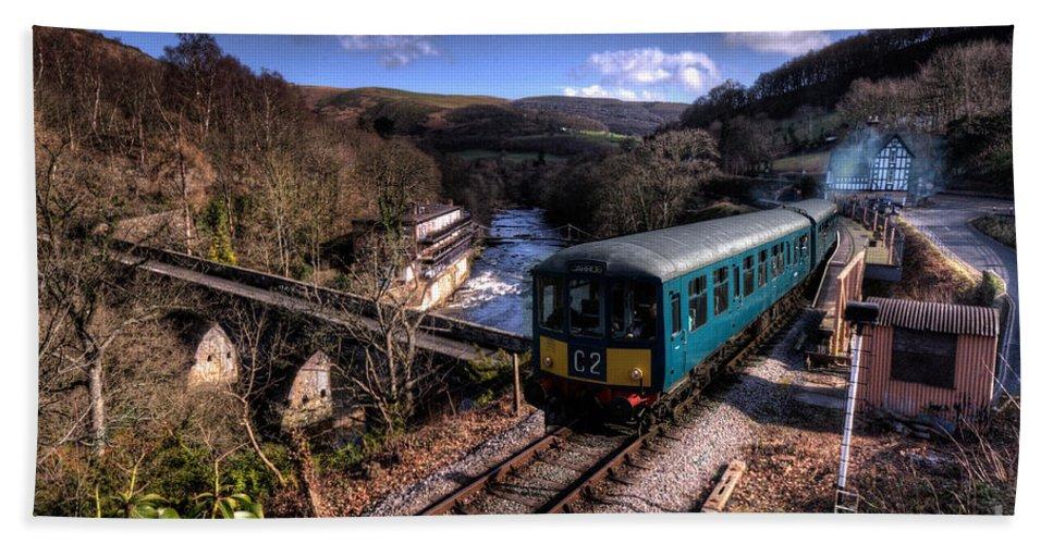 Llangollen Bath Sheet featuring the photograph Railcar At Berwyn by Rob Hawkins