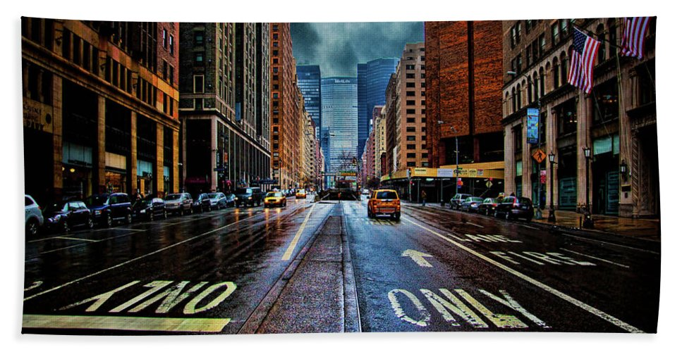 New York Bath Sheet featuring the photograph Rain On Park Avenue by Chris Lord