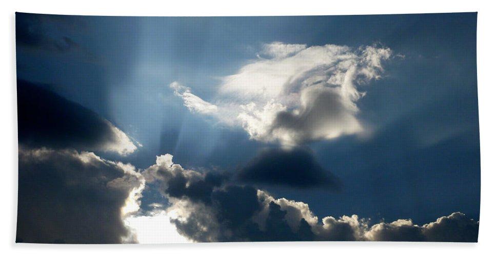 Sun Rays Bath Sheet featuring the photograph Rays Of Light by Mark Dodd