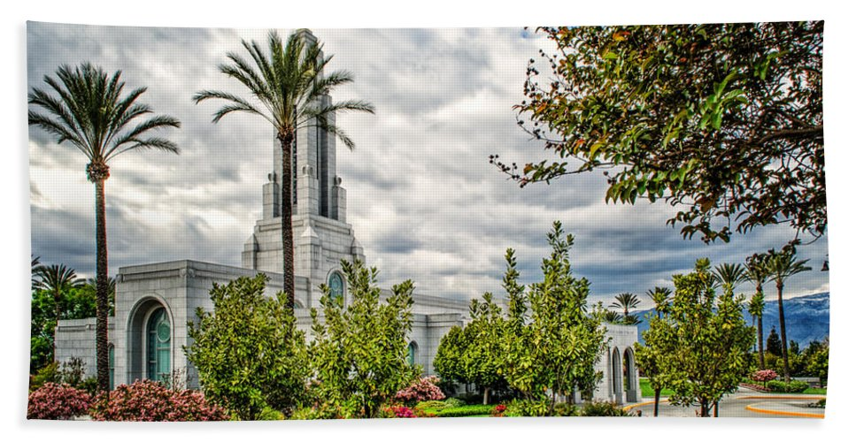 Architecture Hand Towel featuring the photograph Redlands Temple Palm by La Rae Roberts