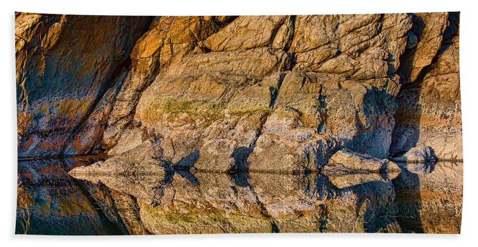 Moonstone Beach Hand Towel featuring the photograph Reflecting Last Rays Of Setting Sun by Greg Nyquist