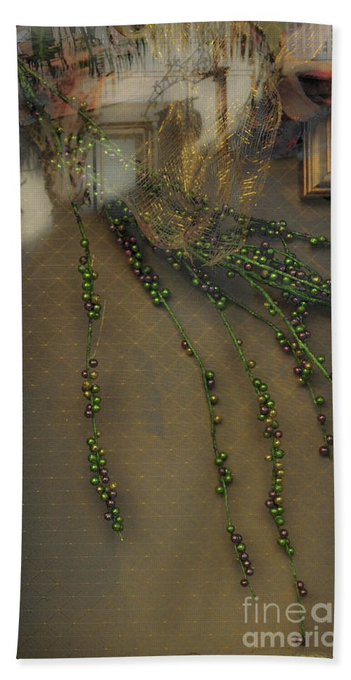 Beads Bath Sheet featuring the photograph Reflecting On Beads by Frances Hattier