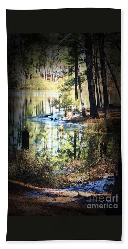 Elder Lake Kilgore Texas Bath Sheet featuring the photograph Reflection by Kim Henderson