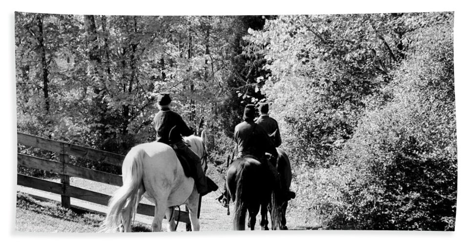 Usa Bath Sheet featuring the photograph Riding Soldiers B And W by LeeAnn McLaneGoetz McLaneGoetzStudioLLCcom
