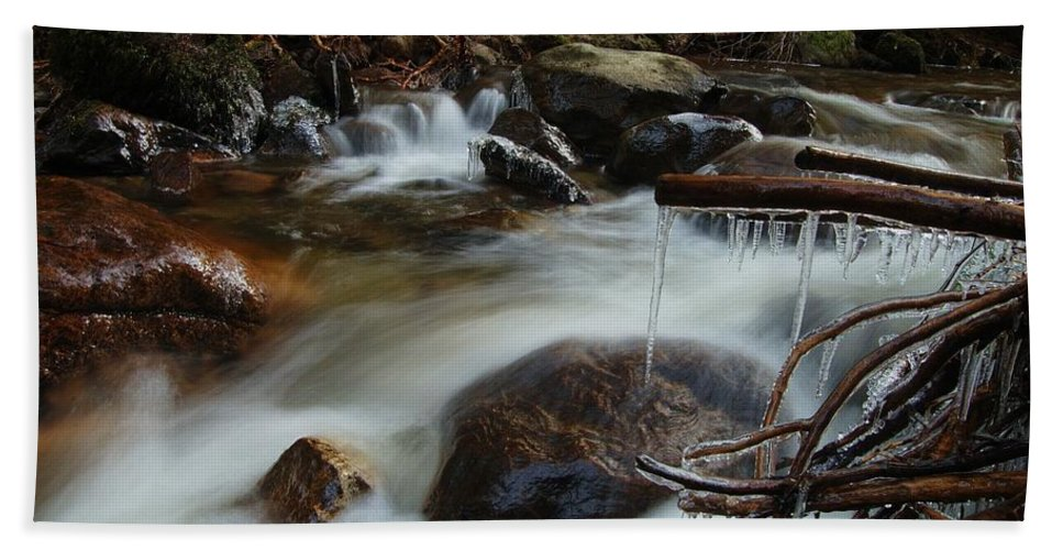 Icicles Hand Towel featuring the photograph River Detail by Gavin Macrae