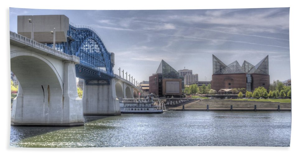 Chattanooga Hand Towel featuring the photograph Riverfront by David Troxel