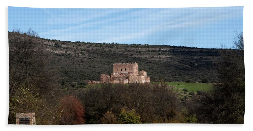 Toledo Bath Sheet featuring the photograph Roadside Castle by Lorraine Devon Wilke