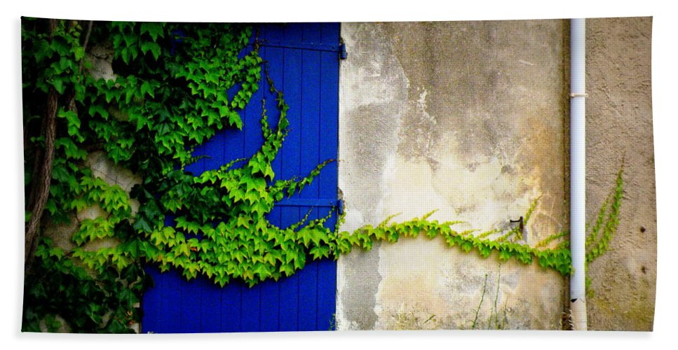 Vine Bath Sheet featuring the photograph Robust Vine On Blue Door by Lainie Wrightson
