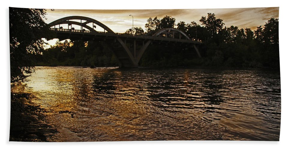 Rogue River Hand Towel featuring the photograph Rogue River Sunset by Mick Anderson