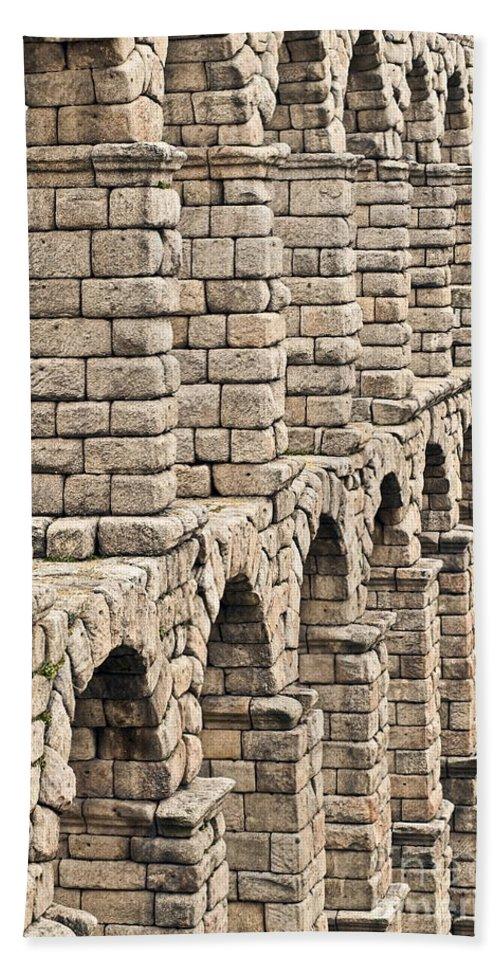 Aqueducto Bath Sheet featuring the photograph Roman Aqueduct Segovia by John Greim