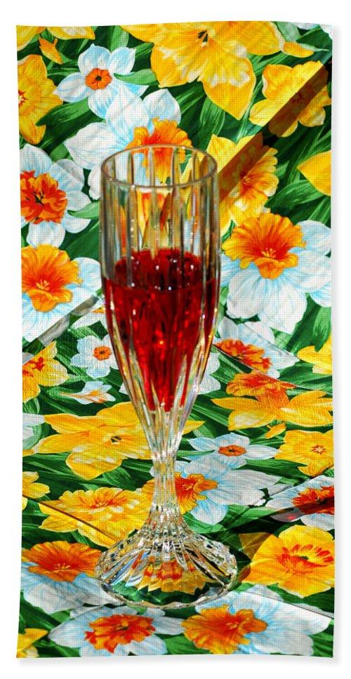 Usa Bath Sheet featuring the photograph Romantic Ruby by LeeAnn McLaneGoetz McLaneGoetzStudioLLCcom