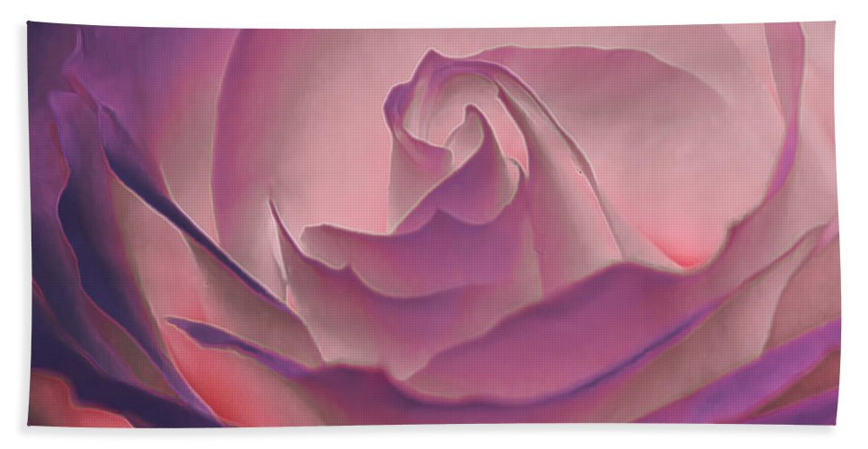 Macro Hand Towel featuring the photograph Rosy Daydreamer by Linda Tiepelman