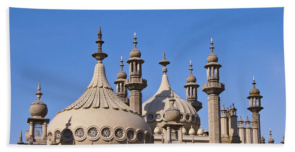 England Bath Sheet featuring the photograph Royal Pavillion - Brighton England by Jon Berghoff