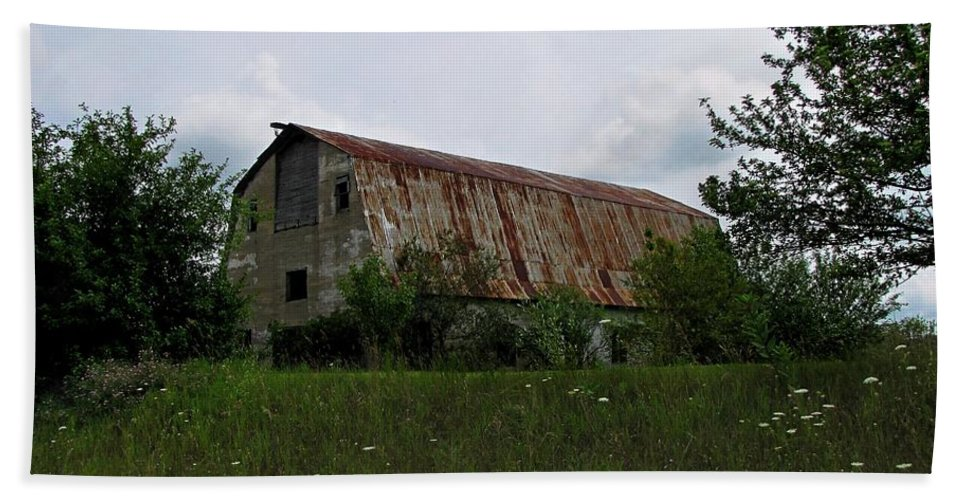 Barn Bath Sheet featuring the photograph Rusted Barn Roof by Ms Judi