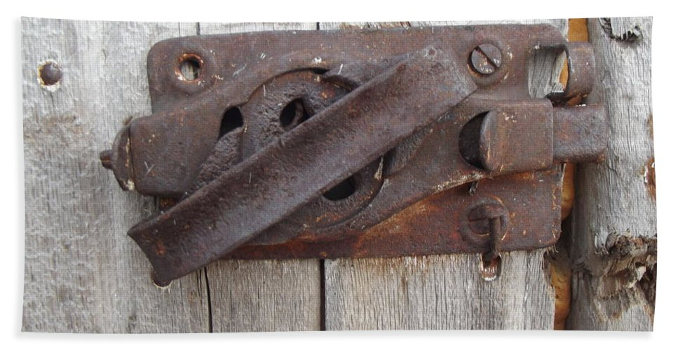 Latch Hand Towel featuring the photograph Rusted Latch by Bonfire Photography