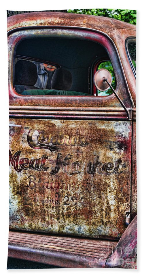 Trucks Bath Sheet featuring the photograph Rusty Truck Door by Randy Harris