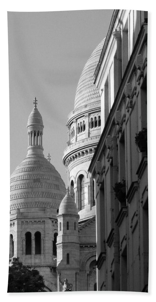 Sacre Coeur Hand Towel featuring the photograph Sacre Coeur View by Greg Matchick
