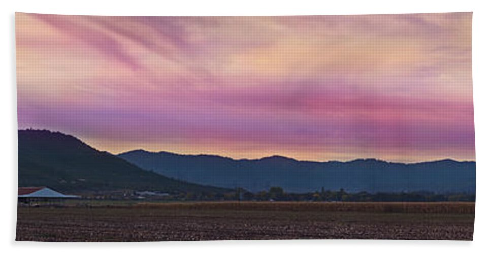 Panorama Hand Towel featuring the photograph Sams Valley Panoramic Sunset by Mick Anderson
