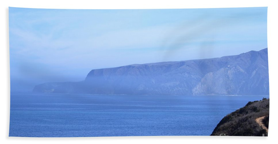 Cruz Hand Towel featuring the photograph Santa Cruz Island by Henrik Lehnerer