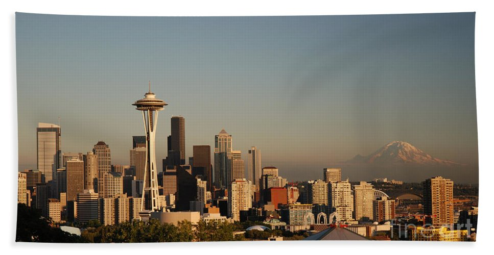 Panorama Hand Towel featuring the photograph Seattle Sunset by Jim Chamberlain