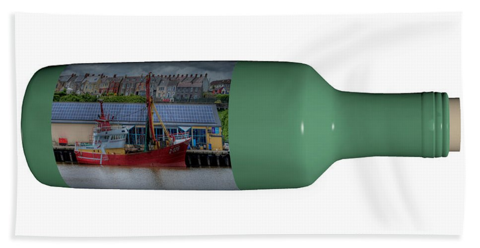 3d Bath Towel featuring the photograph Ship On A Bottle With White by Steve Purnell