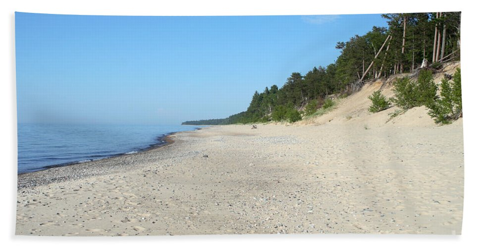 National Park Hand Towel featuring the photograph Shore Of Lake Superior by Ted Kinsman
