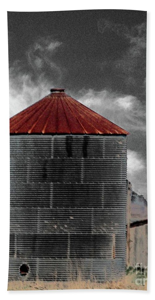 Blues Highway Bath Sheet featuring the digital art Silo 61 by Lizi Beard-Ward