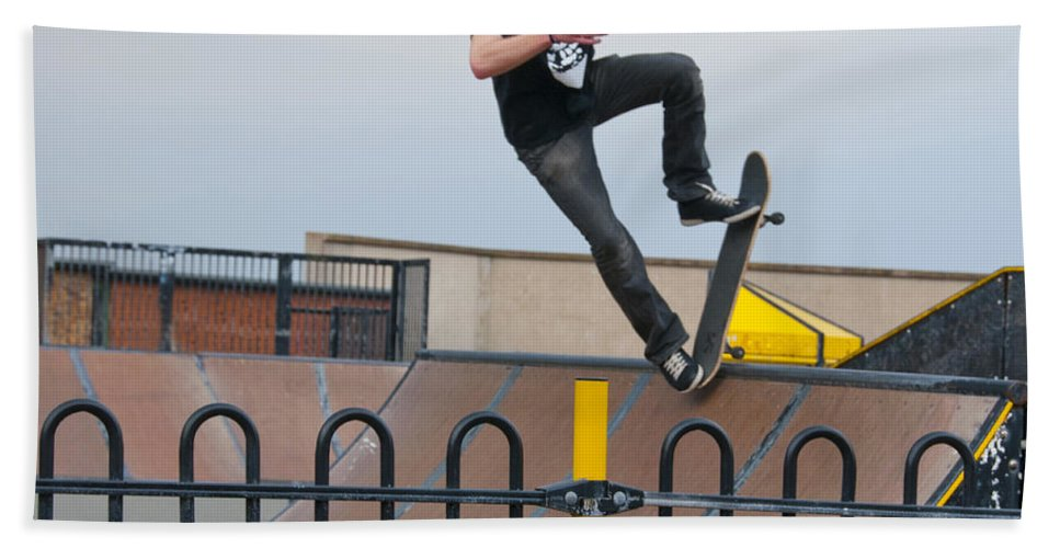 Skate Board Hand Towel featuring the photograph Skateboarding Ix by Sheila Laurens