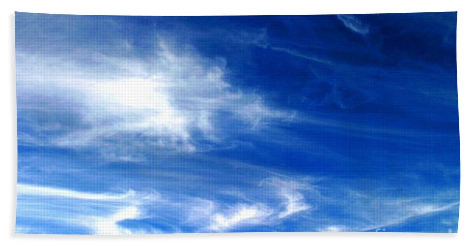 Air Bath Sheet featuring the photograph Sky by Henrik Lehnerer