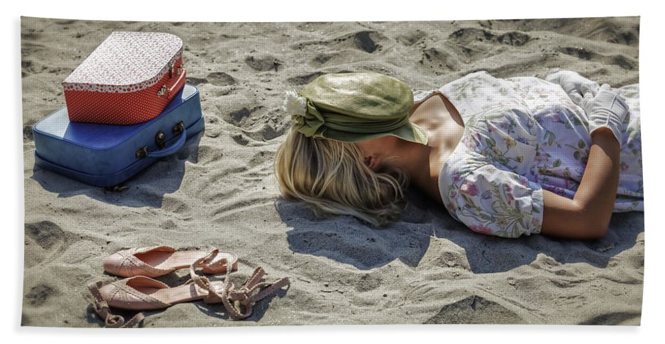 Woman Hand Towel featuring the photograph Sleeping Beauty by Joana Kruse