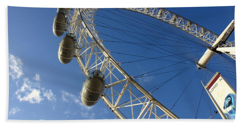 London Eye Bath Sheet featuring the photograph Slice Of The Wheel Of London Eye From An Angle by Ashish Agarwal