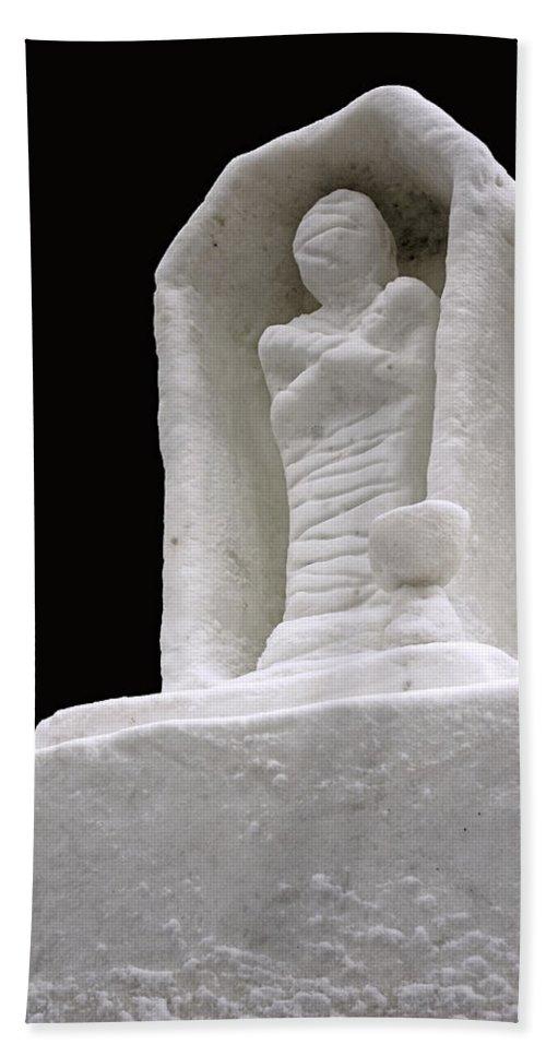 Usa Bath Sheet featuring the photograph Snow Mummy by LeeAnn McLaneGoetz McLaneGoetzStudioLLCcom