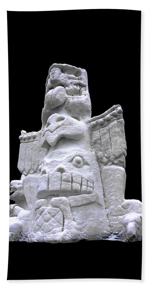 Usa Bath Sheet featuring the photograph Snow Totem Pole by LeeAnn McLaneGoetz McLaneGoetzStudioLLCcom