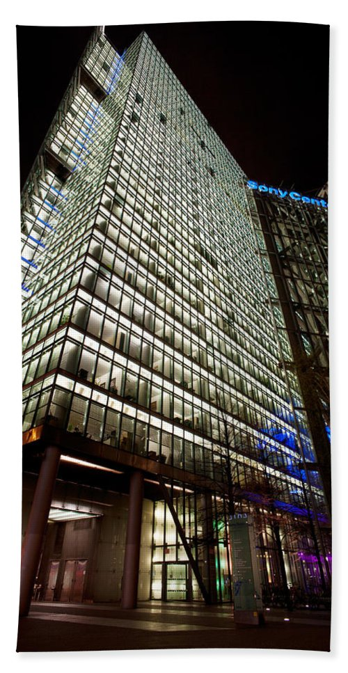 Sony Center Hand Towel featuring the photograph Sony Center At Night by Mike Reid