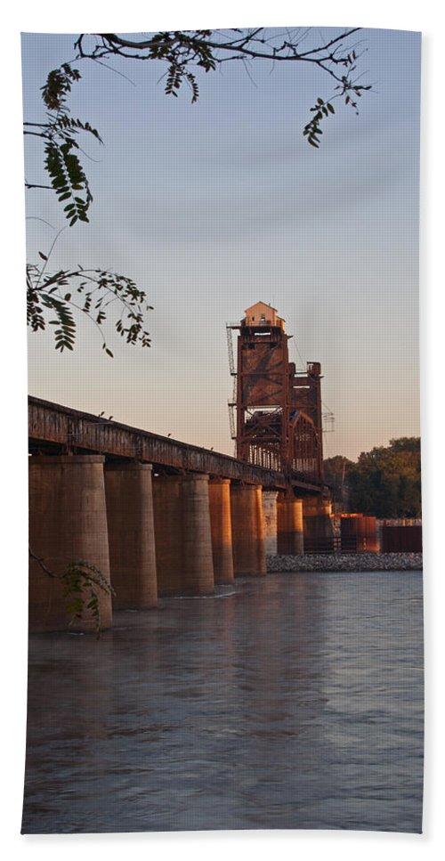 Cincinnati Southern Railroad Hand Towel featuring the photograph Southern Railroad Bridge by David Troxel