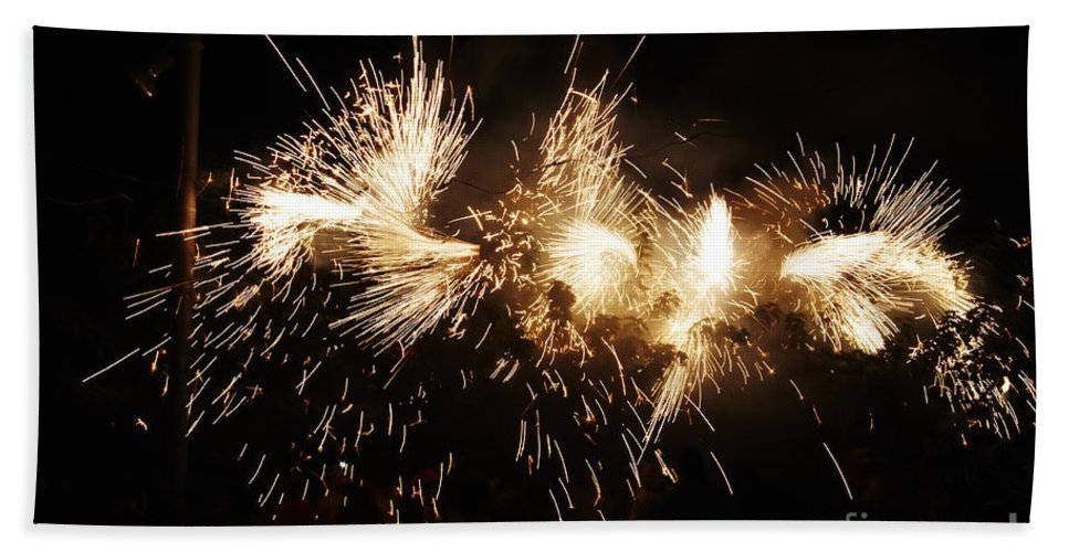 Fuego Bath Sheet featuring the photograph Spark Snake by Agusti Pardo Rossello