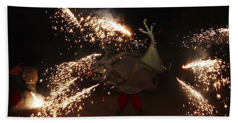 Fuego Bath Sheet featuring the photograph Sparkling Dragon by Agusti Pardo Rossello