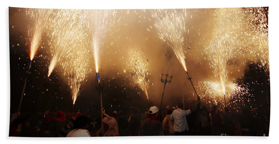 Fuego Bath Sheet featuring the photograph Sparks Rain 2 by Agusti Pardo Rossello