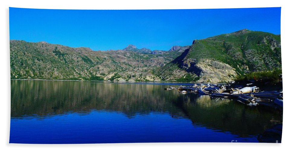 Lake Hand Towel featuring the photograph Spirit Lake by Jeff Swan