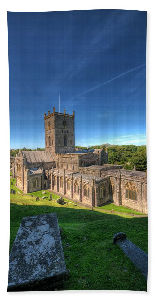 St Davids Cathedral Bath Sheet featuring the photograph St Davids Cathedral 3 by Steve Purnell
