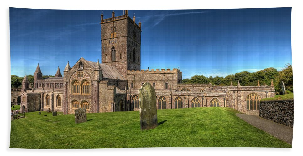 St Davids Cathedral Hand Towel featuring the photograph St Davids Cathedral 6 by Steve Purnell