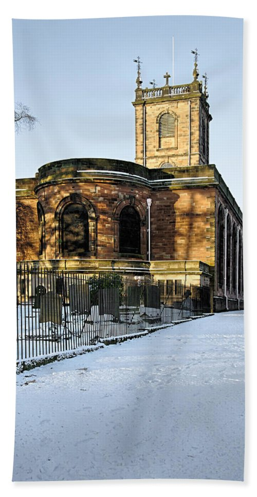 Burton On Trent Hand Towel featuring the photograph St Modwen's Church - Burton - In The Snow by Rod Johnson