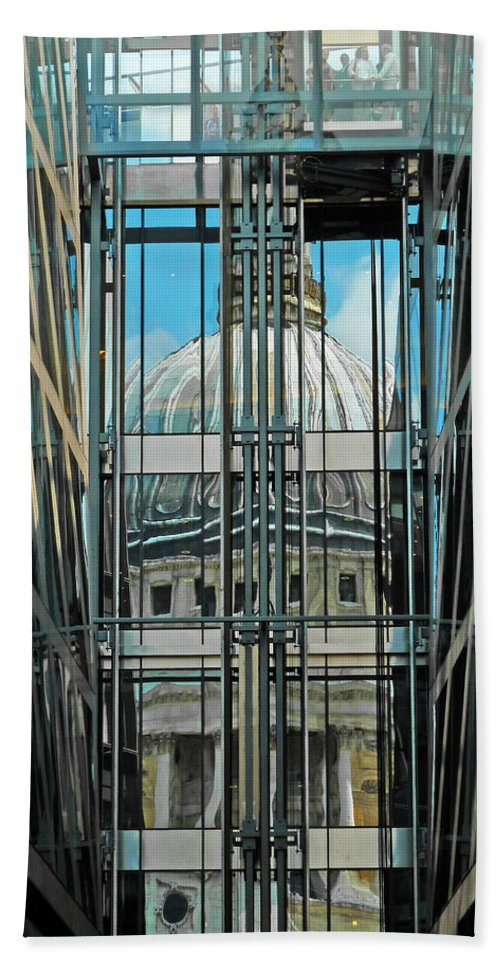 St Pauls Hand Towel featuring the photograph St Pauls Compressed by Steve Taylor